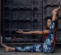 расстяжка в йоге