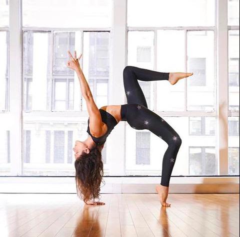 йога с заботой о теле