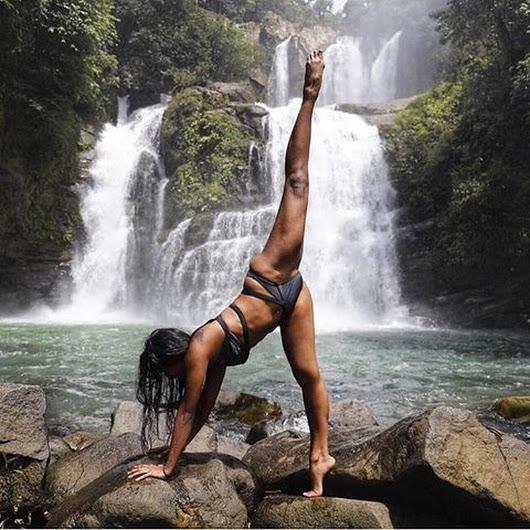 йога в жаркое время года - сколько воды пить