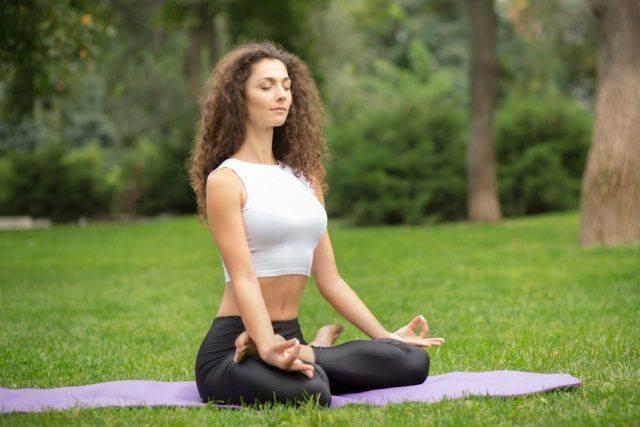 Падмасана - базовая поза в йоге